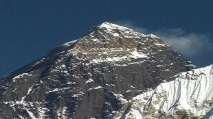 Nepal zmierzy Mount Everest