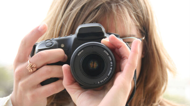 Omenaa: Wakacje z kamerą czy aparatem?