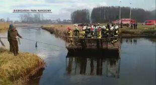 Przeprawa strażaków pracujących we Wroceniu z 21 kwietnia 2020 (Biebrzański Park Narodowy)