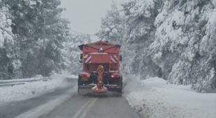 Śnieg spowodował utrudnienia na greckich drogach